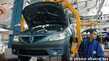 21.09.2007 Workers manufacture Kangoo in the Morocco factory in September 21, 2007. Since its launch in 1997, more than 1.5 million Kangoo cars have been sold worldwide. The Kangoo has also been leader in its market segment in Europe since 1998. Other than France and Malaysia, the Kangoo is also produced in Argentina and Morocco. Foto: Joelle Vassort/MAXPPP +++(c) dpa - Report+++ |
