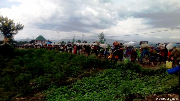 Burundische refugees seen at Bugarama Camp in DRC (DW/M. El Dorado)