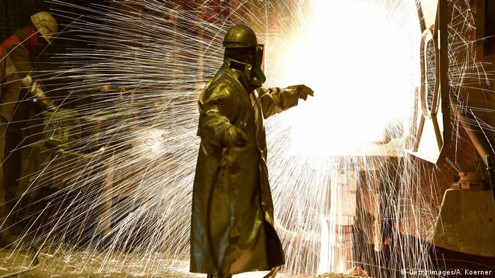 США временно освободят ЕС от пошлин на сталь и алюминий