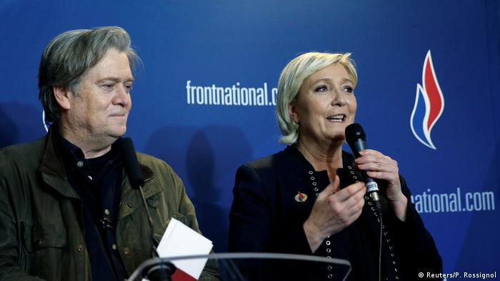 Parteitag Front National in Lille Steve Bannon (Reuters/P. Rossignol)