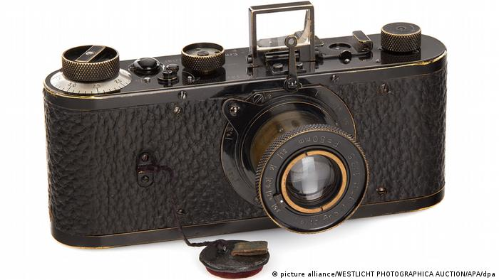 The Leica camera that fetched 2.4 million euros (picture alliance/WESTLICHT PHOTOGRAPHICA AUCTION/APA/dpa)