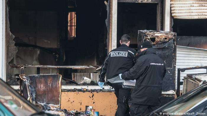 Brandanschlag auf Berliner Moschee (picture alliance/dpa/P. Zinken)
