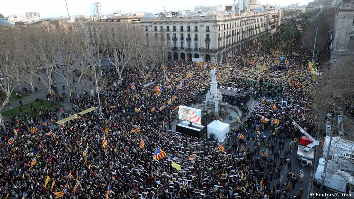 демонстрація у Барселоні, незалежність Каталонії, сепаратисти