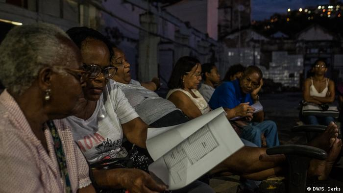 A group of squatters in Rio (DW/S. Derks)