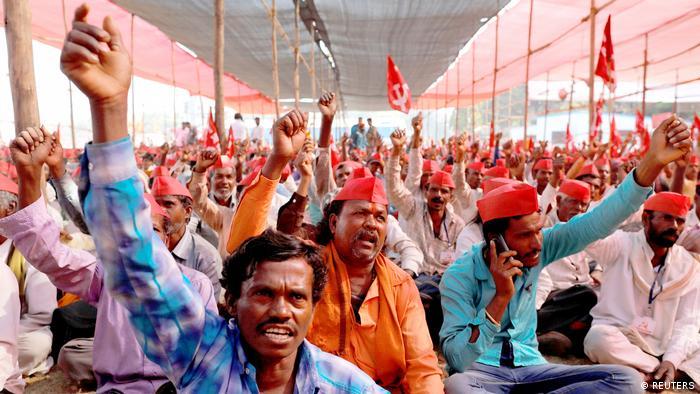Protesta de agricultores indios en Bombay, en marzo de 2018. El ciclo de los precios de la cebolla es ya familiar en el país.
