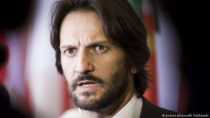 Міністр внутрішніх справ Словаччини Роберт Калінак подав у відставку