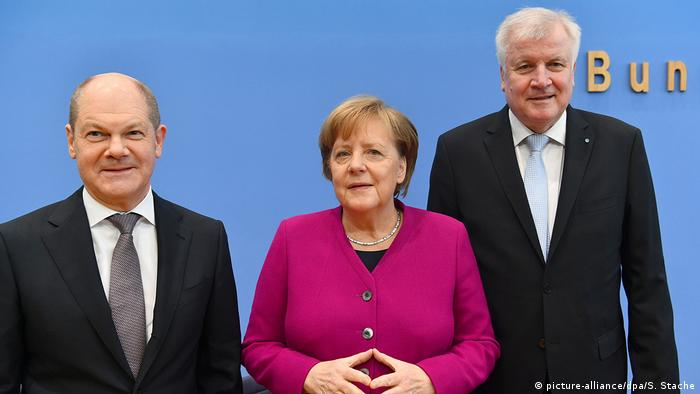 Deutschland Unterzeichnung Koalitionsvertrag Pk (picture-alliance/dpa/S. Stache)