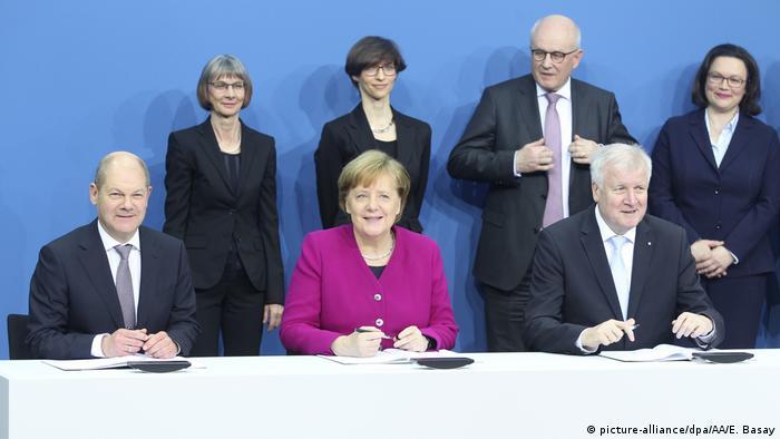 Deutschland Unterzeichnung Koalitionsvertrag (picture-alliance/dpa/AA/E. Basay)