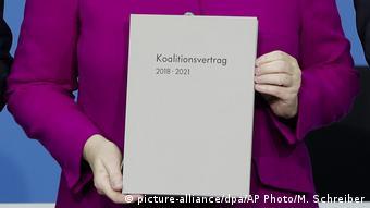 Ангела Меркель представляет в марте 2018 коалиционный договор