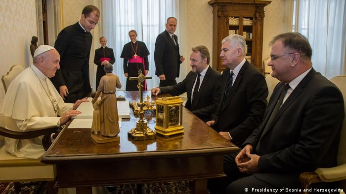 Beziehungen zwischen Bosnien und dem Heiligen Stuhl anlässlich des fünften Jahrestages des Pontifikats von Papst Franziskus ( Presidency of Bosnia and Herzegovina)