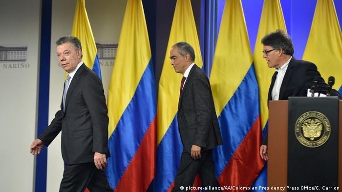 Kolumbien   Pressekonferenz - Kolumbiens Regierung nimmt Verhandlungen mit ELN-Rebellen auf (picture-alliance/AA/Colombian Presidency Press Office/C. Carrion)