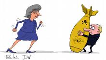 Karikatur - eine erboste Theresa May geht auf Wladimir Putin zu, der sich hinter einer Atombombe versteckt. (c) DW/Sergey Elkin