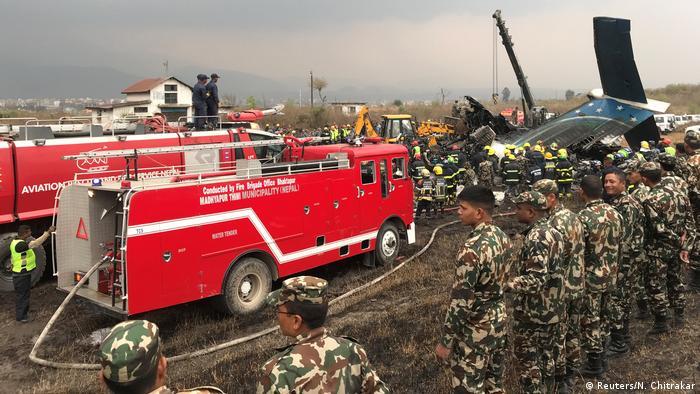 Nepal Flugzeugabsturz in Kathmandu (Reuters/N. Chitrakar)