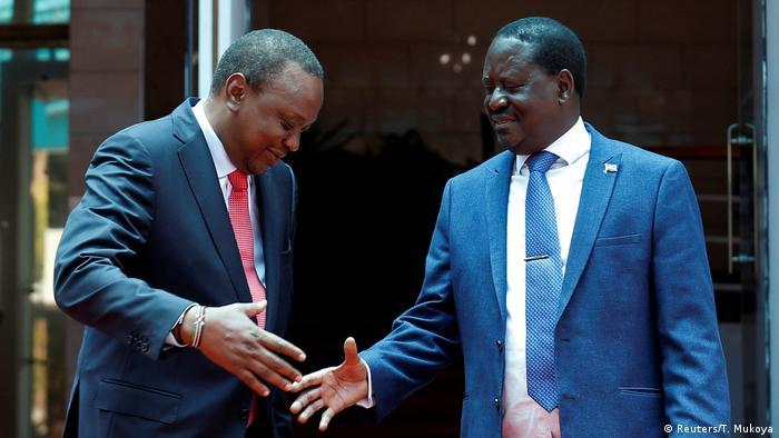 Rais Uhuru Kenyatta na kiongozi wa upinzani Raila Odinga waposalimiana mnamo Machi 9, 2018 na kukubaliana kuwaunganisha Wakenya.