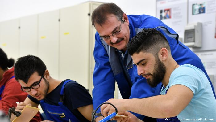 Refugees acquire technical skills
