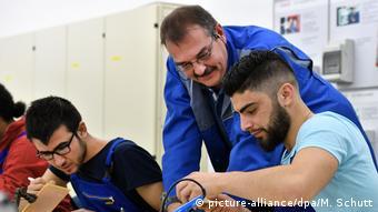 Беженцы проходят профессиональное обучение в железнодорожном концерне Deutsche Bahn