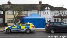 13.03.2018 *** . 13/03/2018. London, United Kingdom. Police pictured outside of a home in the New Malden area of Kingston, South West London, UK reported to be the home of Nikolai Glushkov. Russian exile Nikolai Glushkov has been found dead at his home in London. PUBLICATIONxINxGERxSUIxAUTxHUNxONLY xBenxStevensx/xi-Imagesx IIM-17225-0039
