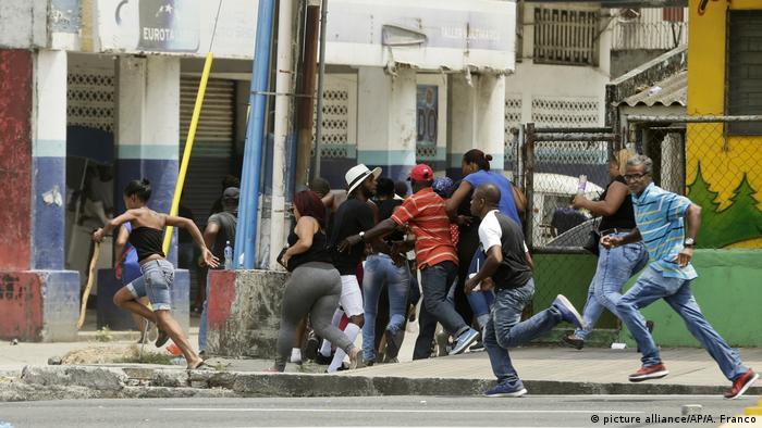 Ausschreitungen in Panama (picture alliance/AP/A. Franco)