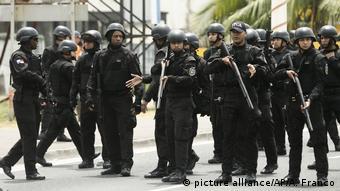 Policías pañamenos.