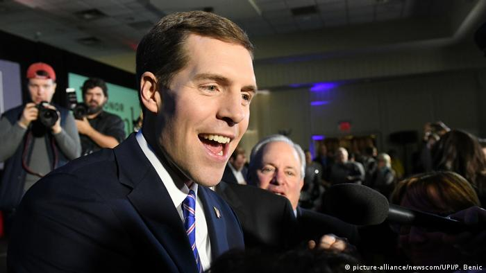 Conor Lamb declaring victory (picture-alliance/newscom/UPI/P. Benic)