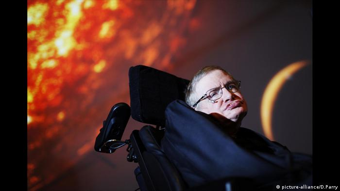 Stephen Hawking Discovery Channel (picture-alliance/D.Parry)