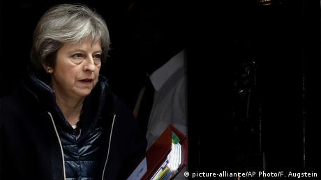 British Prime Minister Theresa May (picture-alliance/AP Photo/F. Augstein)