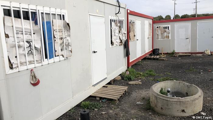 Kontejneri u kojima žive migranti