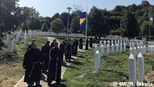 Slowaken lernen aus Balkankriegen Potocari Gedenkstätte für Völkermord in Srebrenica -Besuch von Franziskanern Foto: Marinko Sekulic / DW