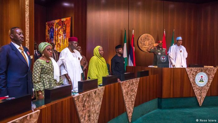 Präsident Buhari steht dem FEC vor