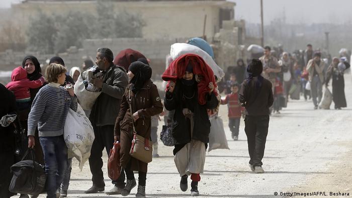 Syrien Massenflucht aus Ghuta (Getty Images/AFP/L. Beshara)