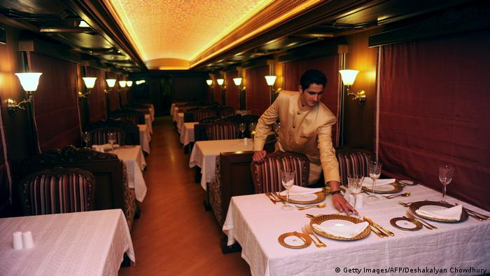 Indien Luxuxszug Maharajas Express (Getty Images/AFP/Deshakalyan Chowdhury)
