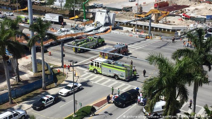 Пішохідний міст в Маямі, США (picture-alliance/Zuma Press/Miami Herald/Roberto Koltun)