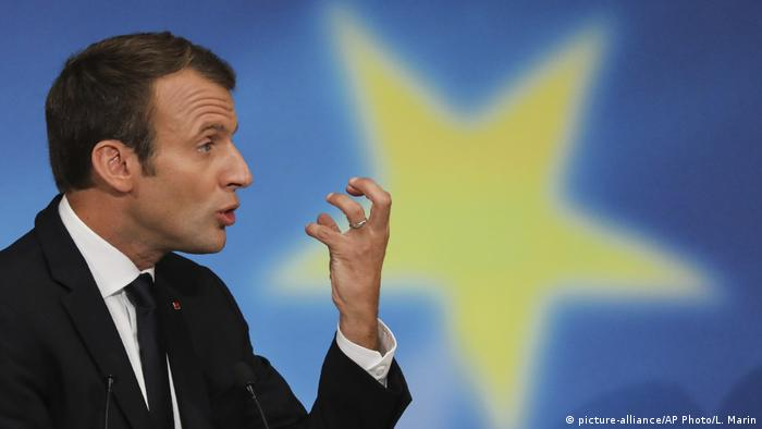 Emmanuel Macron (picture-alliance/AP Photo/L. Marin)