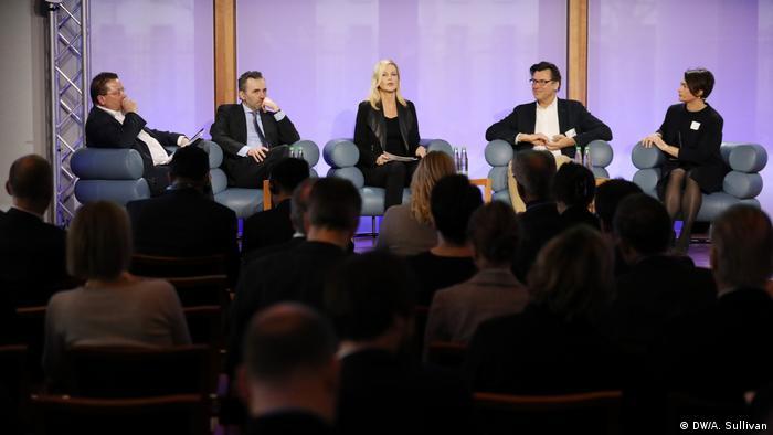 Panel-Diskussion zum Thema künstliche Intelligenz (DW/A. Sullivan)