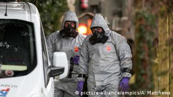 مقامات بریتانیایی مدعیاند که در این سوءقصد علیه اسکریپال از سمی استفاده شده که پیشتر در تسلیحات شیمیایی روسیه مشاهده شده است.