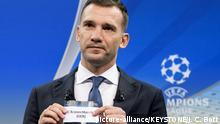 The quarterfinal draw of the UEFA Champions League (picture-alliance/KEYSTONE/J. C. Bott)