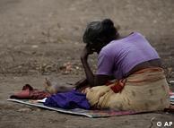فقر نزد  زنان در شبه قاره هند بیداد میکند