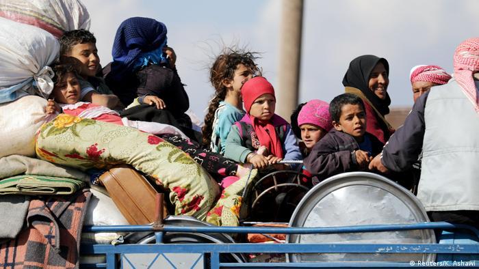 Syrien Flucht aus Afrin (Reuters/K. Ashawi)