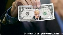 USA Dollarnote mit Konterfei von Präsident Donald Trump