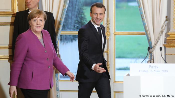 Frankreich Treffen Angela Merkel & Emmanuel Macron in Paris (Getty Images/AFP/L. Marin)