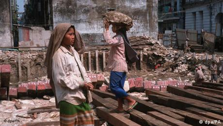 Welttag gegen Kinderarbeit - Kinderarbeit, Myanmar (Birma), Südostasien Flash-Galerie