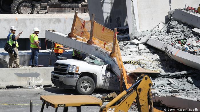 USA Mehrere Tote bei Brückeneinsturz in Miami (Getty Images/J. Raedle)