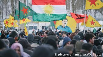 Almanya'da PKK sembol ve bayraklarının kullanılması ve paylaşılması yasak
