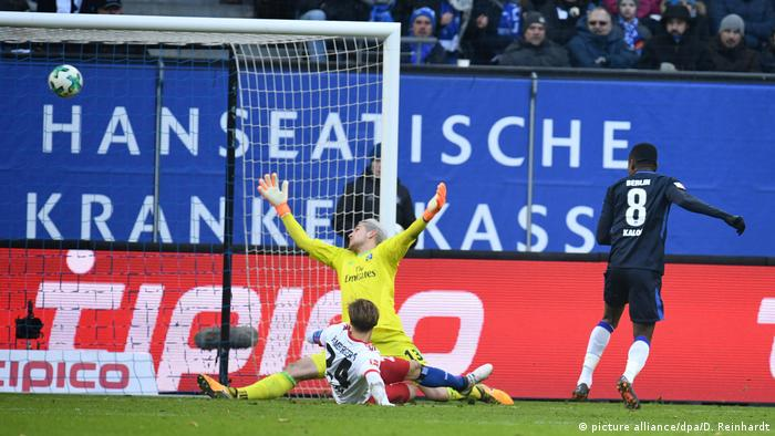 Fussball Bundesliga Hamburger SV - Hertha BSC - Tor 1:2 (picture alliance/dpa/D. Reinhardt)