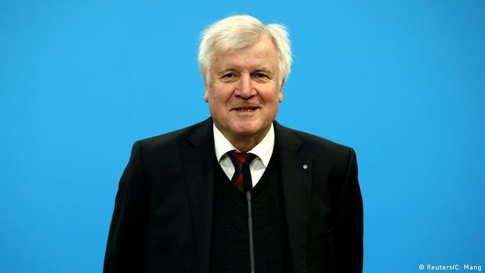 Horst Seehofer: Islamul nu aparține Germaniei