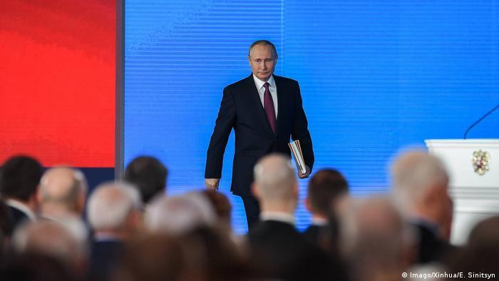 warum sind viele russen zufrieden mit putin