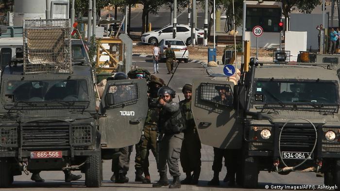Израильские солдаты на границе с Западным берегом реки Иордан (фото из архива)