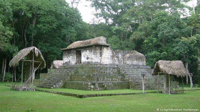 Sítio arqueológico maia Seibal