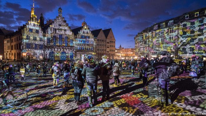 BdT Luminale lässt Frankfurt leuchten (picture alliance/dpa/B. Roessler)