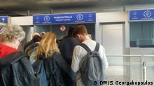 Passkontrole, Fluggäste aus Griechenland, Düsseldorf Flughafen 05.03.2018